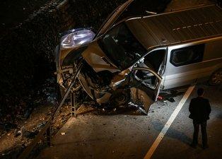İstanbul'da korkunç kaza! Demir bariyerin altına girdi...