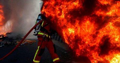 Fransa yangın yerine döndü! Araçlar ateşe verildi...
