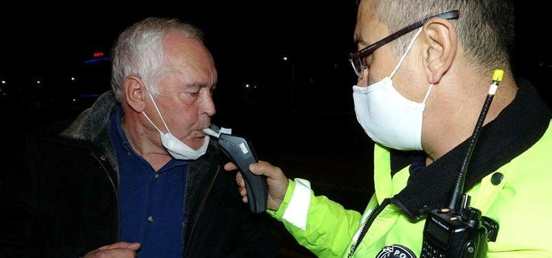 Bursa'da kısıtlamayı ihlal eden 71 yaşındaki sürücü maskesiz ve alkollü yakalandı