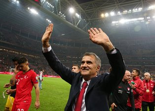 Türkiye'nin EURO 2020 bileti Avrupa basınında!
