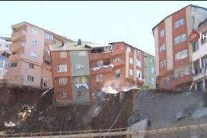 Kağıthane'de feci olay! 4 katlı bina çöktü