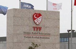 Beşiktaşlı Elneny'e 3 maç ceza!