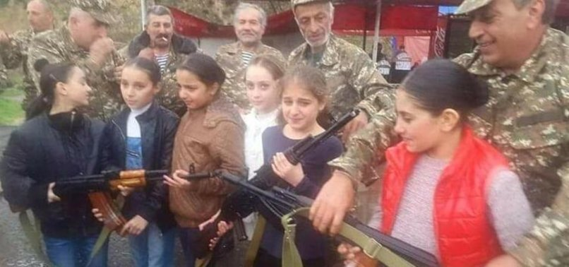 Son dakika: Ermenistan kız çocuklarını cepheye yolluyor!