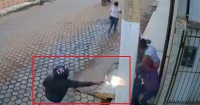 Siper ettiği beton direk hayatını kurtardı |Video