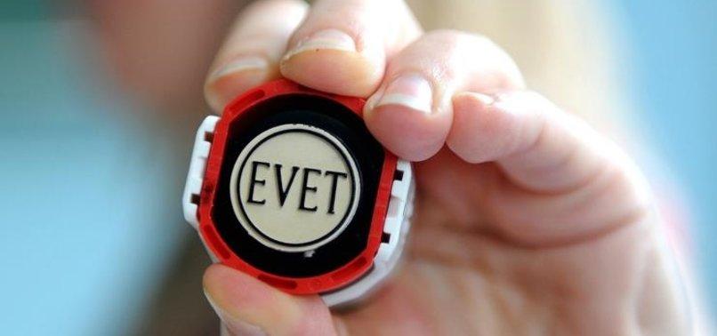 'EVET' DEMEK İÇİN PARTİSİNDEN İSTİFA ETTİ