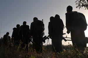 PKK çözüldükçe çözülüyor! Kuzey Irak'tan kaçan PKK'lı 7 terörist teslim oldu