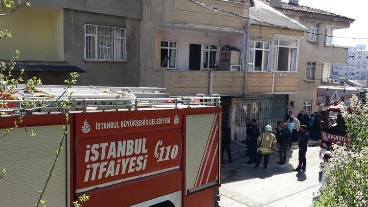 İSTANBUL'DA BÜYÜK KORKU! OĞLU YANGINDA MAHSUR KALAN ANNE ÇARESİZCE ÇIRPINDI