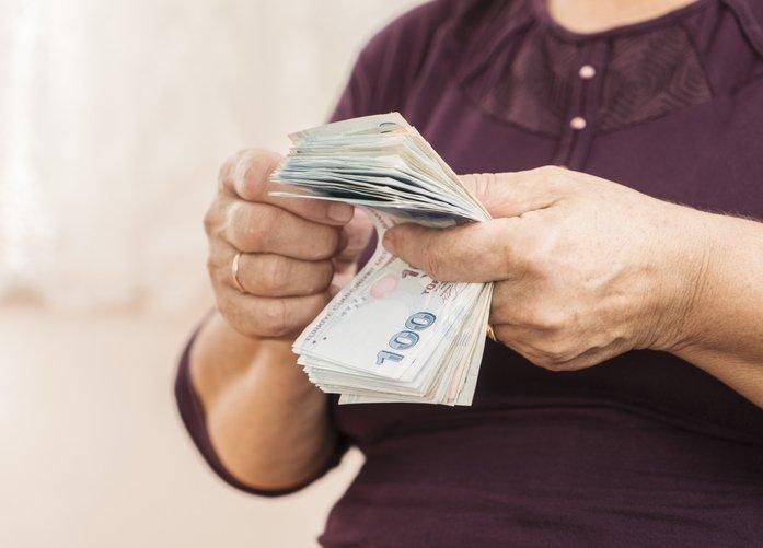Emekliye 2.550 TL! Bankalar yarışa girdi! Halkbank, Ziraat, İş Bankası, Akbank, ING emekli promosyonu ne kadar?