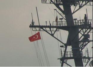 """ABD savaş gemisi """"USS Porter"""" İstanbul Boğazı'ndan geçti! Dikkat çeken mesaj"""