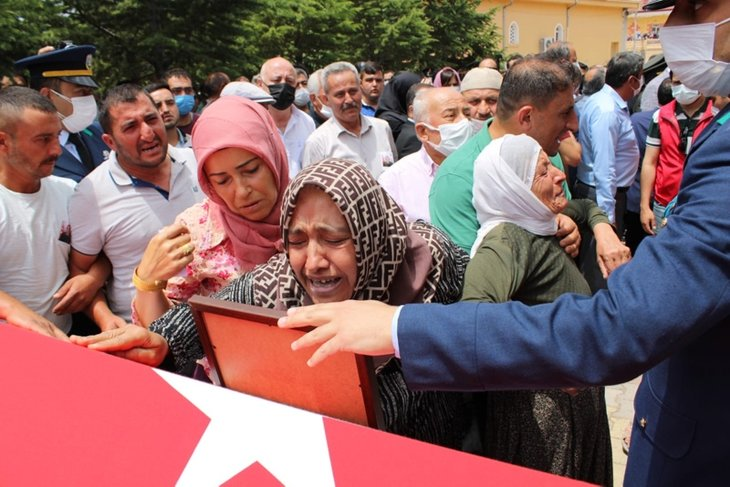Mardin şehidine acı veda! Annesinin sözleri yürek dağladı: Canımın içi gitti