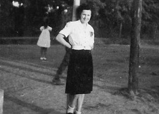 Bilim insanları genç kadının fotoğraflarına açıklık getiremedi! 1943'te Macaristan'da...