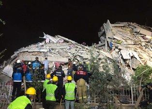 Somalı madenciler eylemi bırakıp İzmir depremi için yardıma koştu