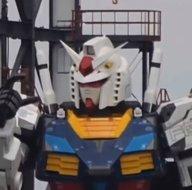 Bilim kurgu filmi değil! Japonyanın dev robotu ilk adımı attı