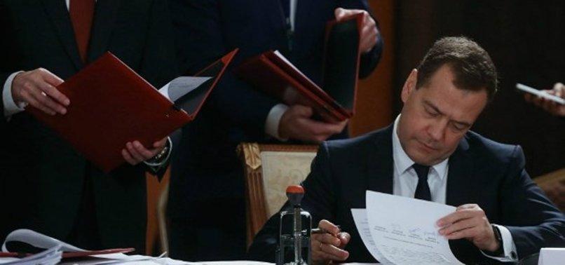 MEDVEDEV, TÜRKİYE'YE GIDADA KISITLAMALARI KALDIRAN İMZAYI ATTI