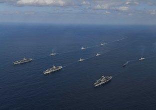 ABD donanma uçağı Pasifik Okyanusu'na düştü