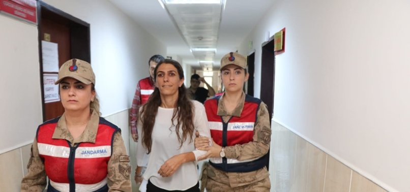 Son dakika: HDP'li ilçe Başkanı Rojda Nazlier'in dosyası kabarık çıktı!