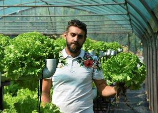 Bursa'da suda marul yetiştirip, üretim hızını 3 kat artırdı