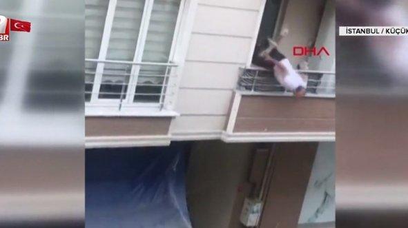 Balkonundan böyle düştü