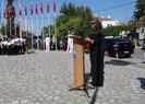 İzmir'deki 'Gaziler Günü' töreninde skandal protesto! Sunuculuğu başörtülü öğretmen yapıyor diye töreni terk ettiler...