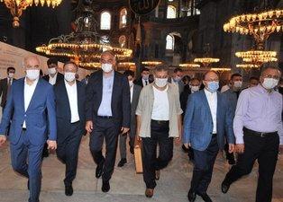Ayasofya Camii'nde kritik inceleme! Bakan Ersoy ile Diyanet İşleri Başkanı Erbaş'ın yanında dikkat çeken isimler