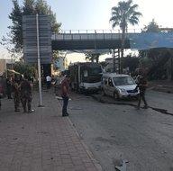 Adana'da polis aracına bombalı saldırı!