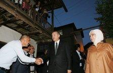 Cumhurbaşkanı Erdoğan iftarda Sargın ailesine konuk oldu