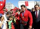 Rıza Kayaalp, memleketi Yozgat'ta çiçeklerle karşılandı