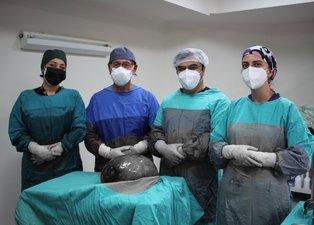 Eskişehir'de gaz şikayetiyle doktora gitti karnından tam 9 kilo çıktı! Türk doktorlar hayrete düştü