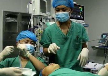 Boğaz kaşıntısıyla hastaneye gidince ortaya çıktı! Doktorlar bile hayrete düştü! Aylardır midesinde yaşayan canlı...