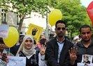 Fransa'nın başkenti Paris'te Muhammed Mursi gösterisi