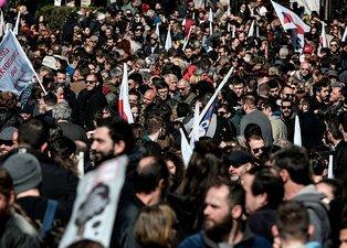 Yunanistan'da kriz büyüyor! Hayat adeta durma noktasına geldi
