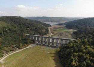 Alibeyköy barajında korkutan görüntü Suların çekildiği bölgede otlar insan boyuna ulaştı