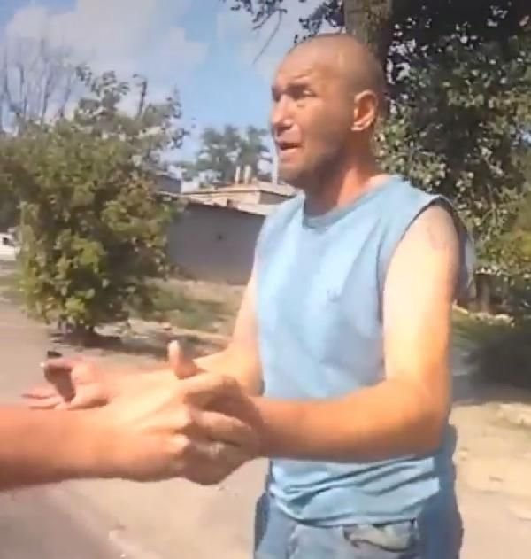 Ukraynada Korkunç şaka Arkadaşının Eline Verdiği Bombanın Pimini