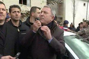 Milli Savunma Bakanı Hulusi Akar olay yerinde