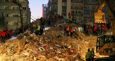 Son dakika: İletişim Başkanlığı çalışmaları açıkladı! Devlet İzmir depremi sonrası halk için seferber