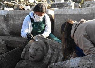 3 bin yıllık Strakonikeia Antik Kenti'nde heyecanlandıran olay! 10 mask bulundu
