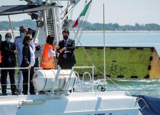 Venedik artık sular altında kalmayacak! Proje ilk kez test edildi
