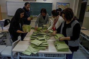 Maltepe'de oy sayımı durduruldu
