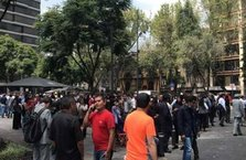Meksika'da 7,4 büyüklüğünde deprem