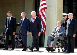 Evinde düşen eski ABD Başkanı Jimmy Carter hastaneye kaldırıldı