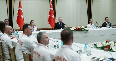 Son dakika: Başkan Recep Tayyip Erdoğan, milli sporcuları kabul etti