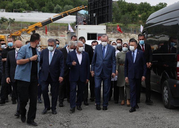 Türkiye'ye çağ atlatacak dev proje Kanal İstanbul! Vatandaş akın etti! Başkan Erdoğan'a sevgi seli