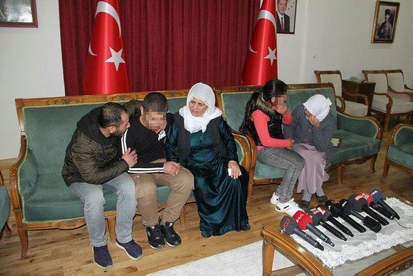 Son dakika: Diyarbakır'daki evlat nöbeti: HDP binası önündeki 2 aile daha evladına kavuştu 2