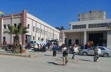 Afrin'de halk yakalandı YPG/PKK merkez binasını bastı