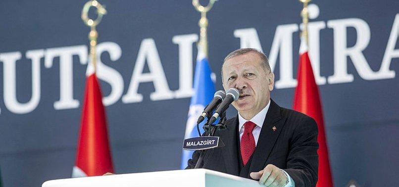 Son dakika: Tarihi zaferin 949. yılı! Başkan Erdoğan'dan Malazgirt'te önemli açıklamalar