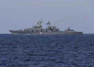 Dünya basını flaş olarak duyurdu! Rus savaş gemileri o bölgeye kadar gitti!