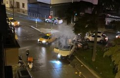 Alex de Souza heykeline otomobil çarptı