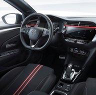 Opel yeni modeli ile bombayı patlattı! Bir ilk gerçekleşti...