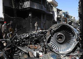 Pakistan'da düşen uçağın pilotu yapılan 3 ikazı da dikkate almamış