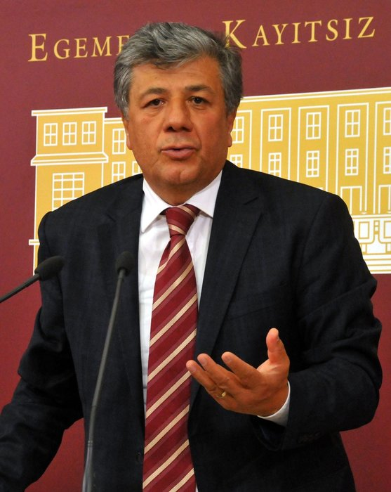 CHP'DE VEKİLLER KAZAN KALDIRDI